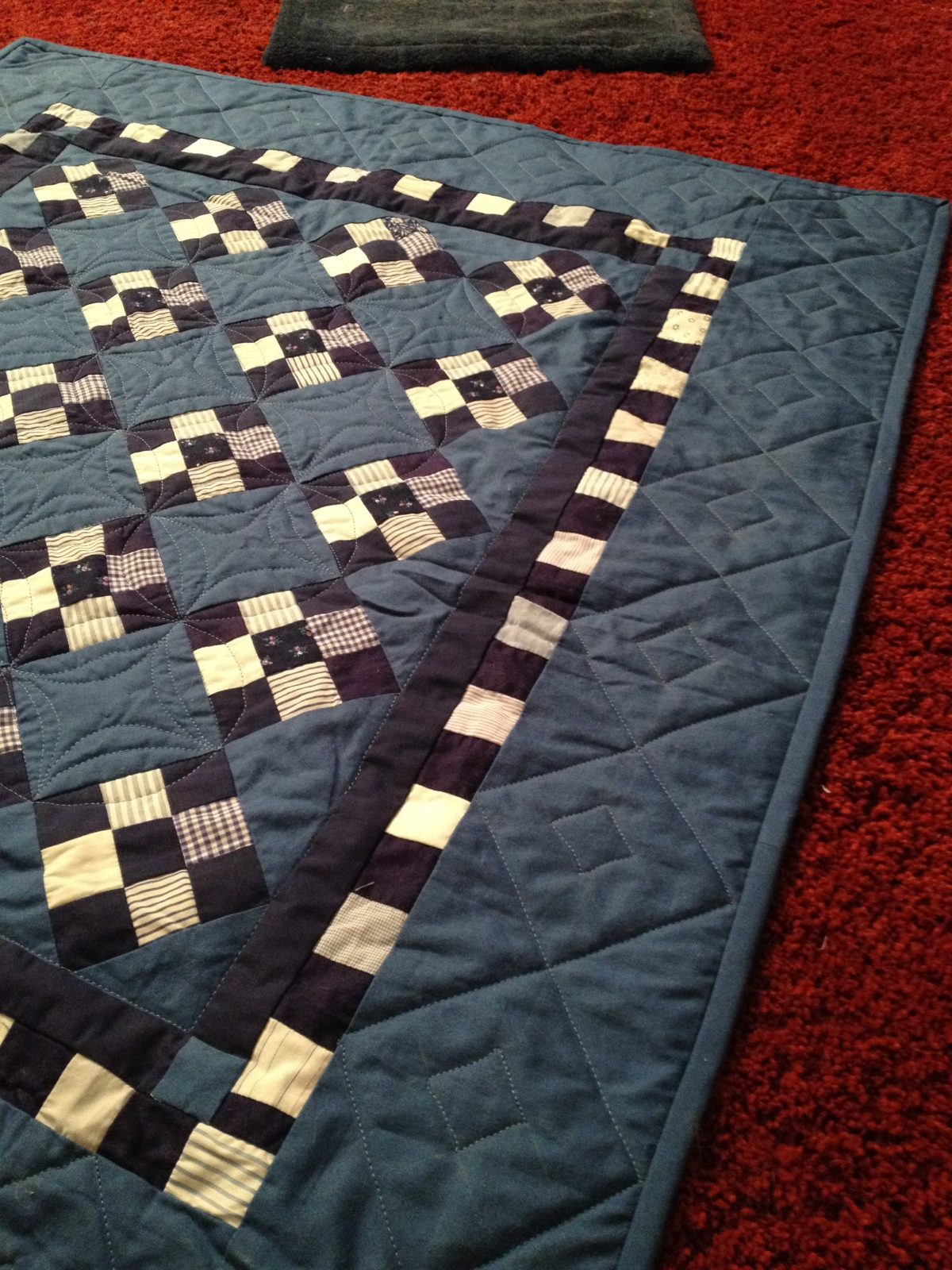 Nine patch modern quilting