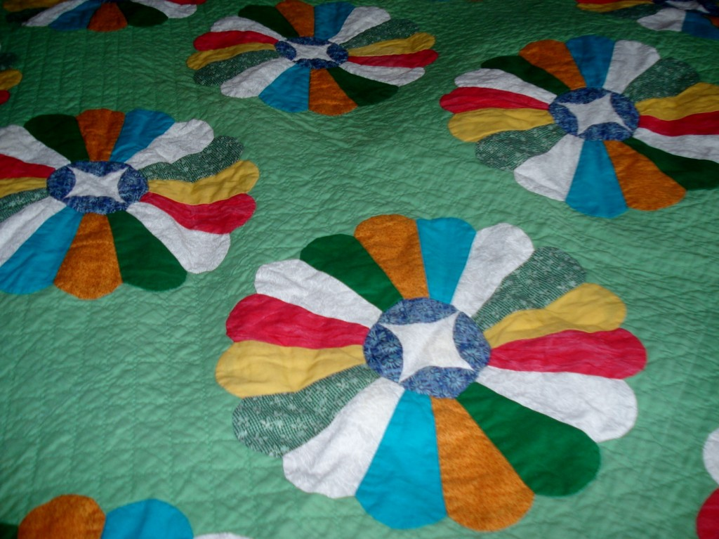 Dresden plate hand quilting