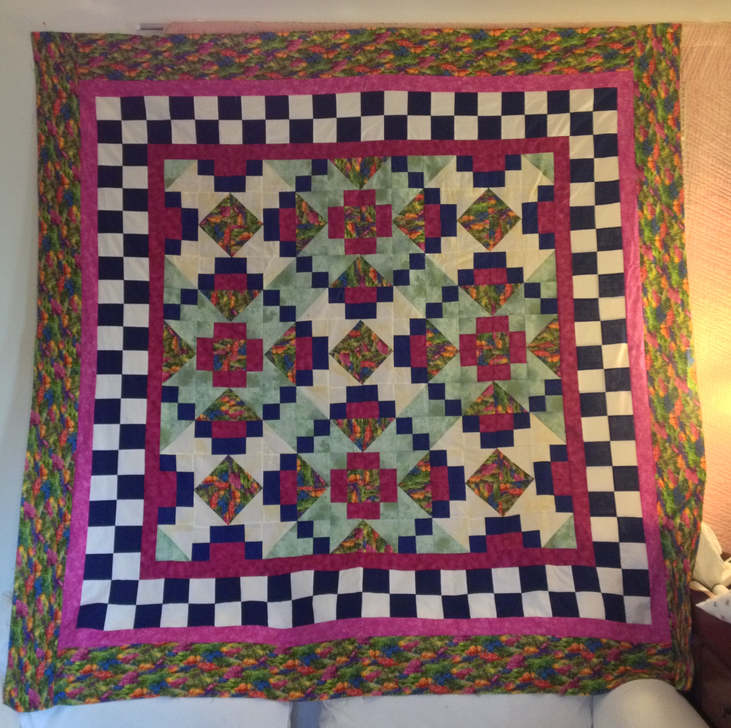 Garden Trellis, full custom quilting